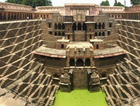 "Chand Baori, a ""do not miss"" while visiting Jaipur"