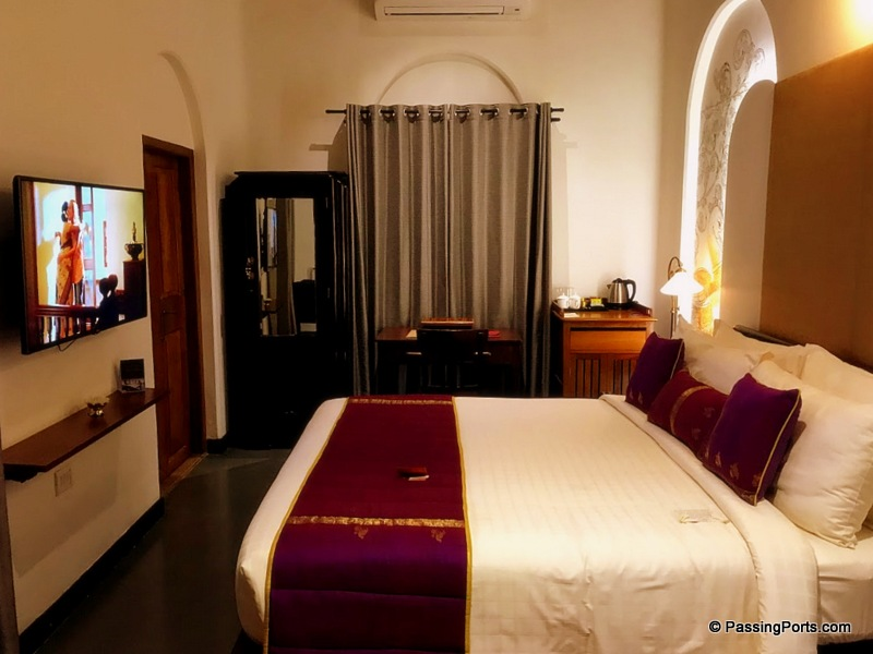 The spacious beds and rooms in Svatma